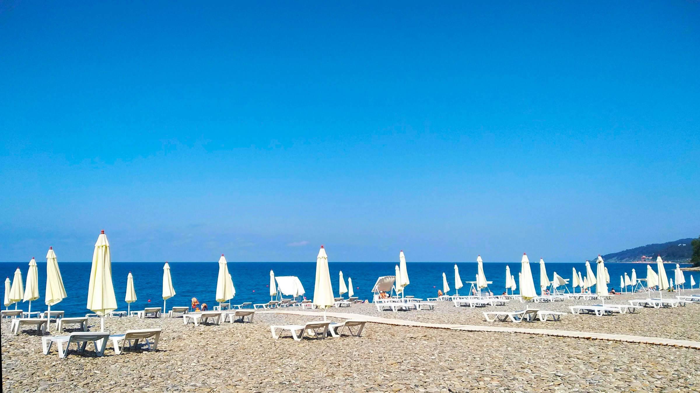 Пляжи в Сочи - Пляж Ласточка